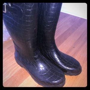Textured Chooka black rain boots, barely worn